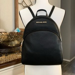 New🖤 leather MK Abbey backpack black